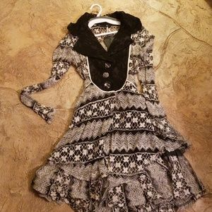 Gorgeous black and beige lace jacket type maybe sh
